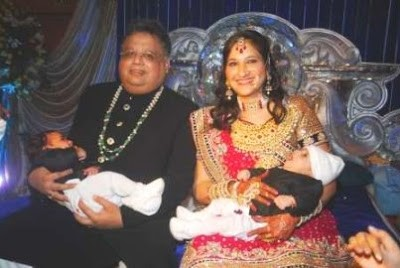 Rakesh Jhunjhuna With His Wife and Children