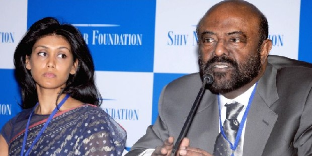 Roshini Nadar with His Father Shiv Nadar at a Press Conference