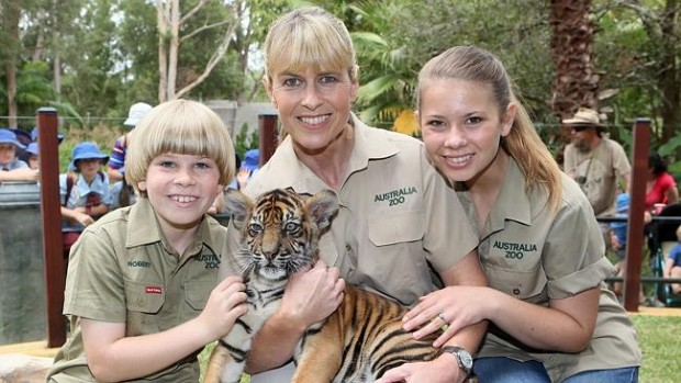 Robert,Terri and Bindi Irwin with a Baby Tiger
