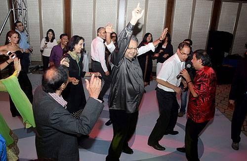 Rakesh Jhunjhunwala Dancing Pic