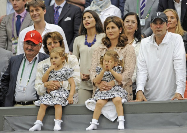 Federer twin daughters watching their dad's play
