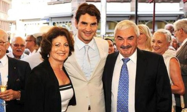 Roger Federer with his parents