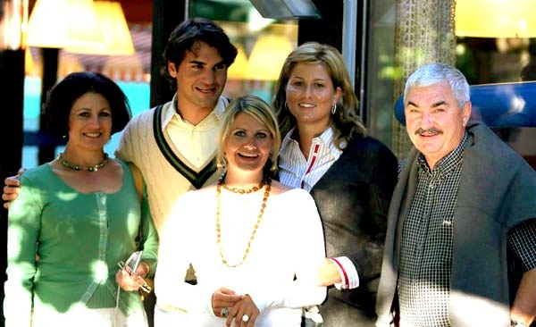 Roger Federer with his parents, wife and with his sister Diana