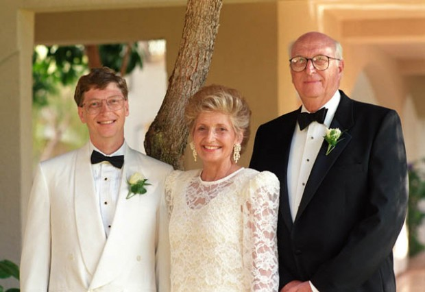 Bill Gates with his parents on his wedding day