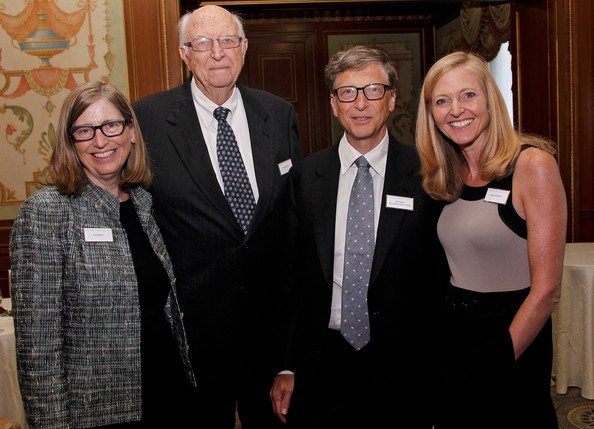Bill Gates with his sister Kristina Gates and Parents