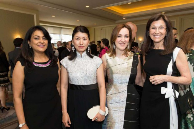 Jerry Yang wife Akiko Yamazaki with Lata Krishnan, Noosheen Hashemi and Jane Wales at the World Affairs Council Awards