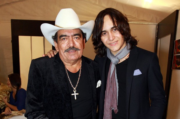Julián Figueroa with his father Joan Sebastian