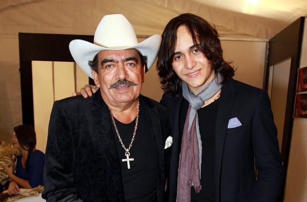 Julián Figueroa with his father Joan Sebastian