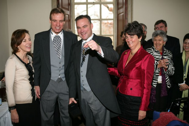 Tim Kaine along with his wife recieves keys to Executive Mansion