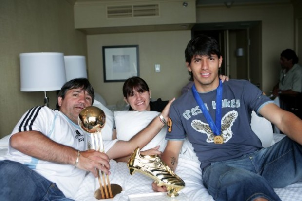 Sergio Aguero his dad and his sister