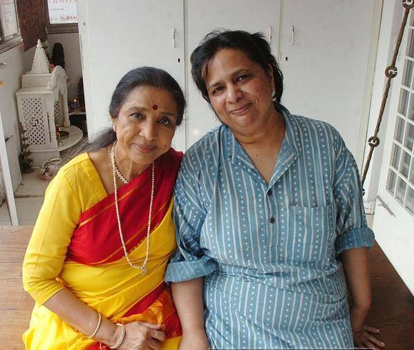 Lata's sister Asha and Asha's daughter Varsha Bhosle
