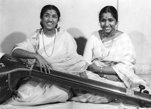 Lata Mangeshkar and Asha Bhosle in their younger days