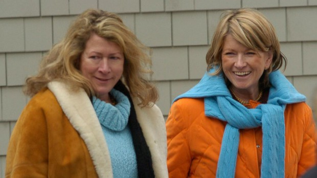Martha Stewart and her sister Laura Plimpton