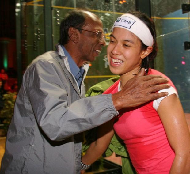 Desmond greeting his daughter Nicol