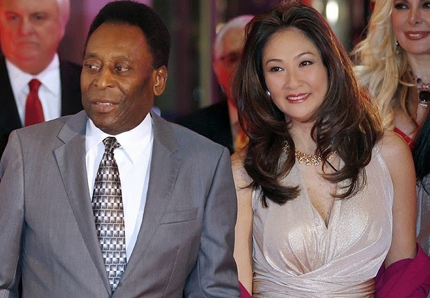 Pele with his wife Marcia Aoki