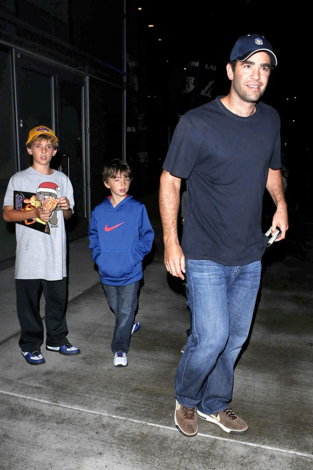 Pete with his son to watch Lakers game