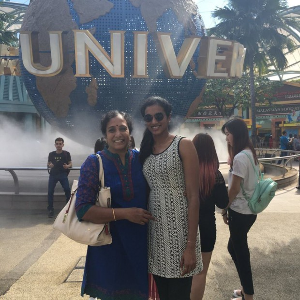 PV Sindhu and her mother PV Vijaya at Universal Studios