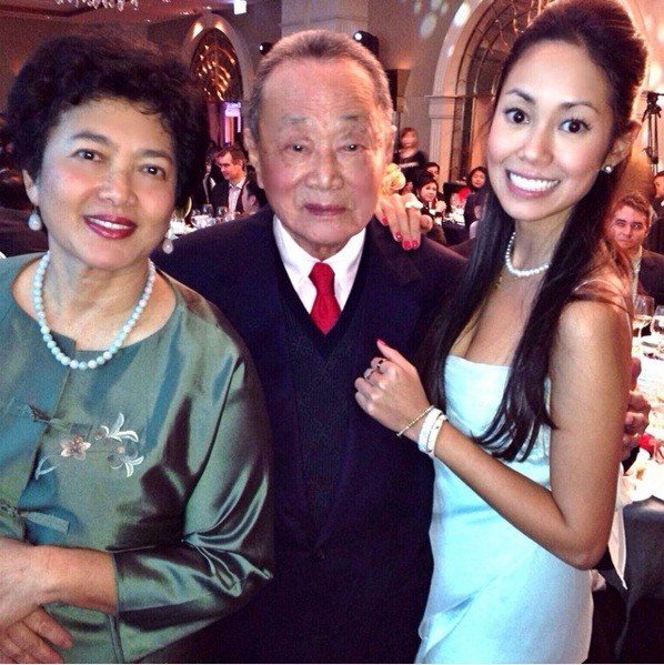Robert Kuok with His Family