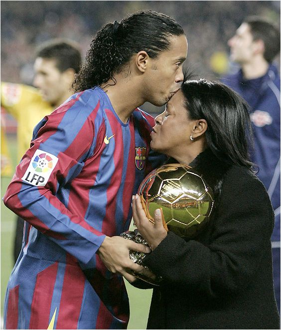 Ronaldinho and his mother Dona