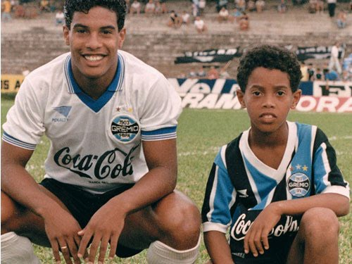 Ronaldinho in his childhood with his brother Roberto