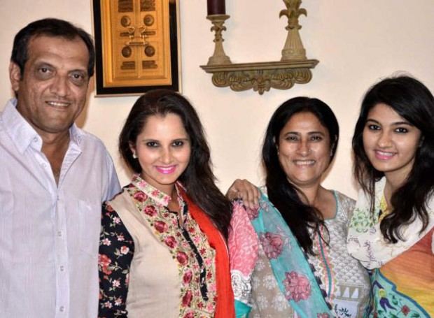 Sania Mirza with her parents Imran Mirza, Nasima Mirza and sister Anam Mirza