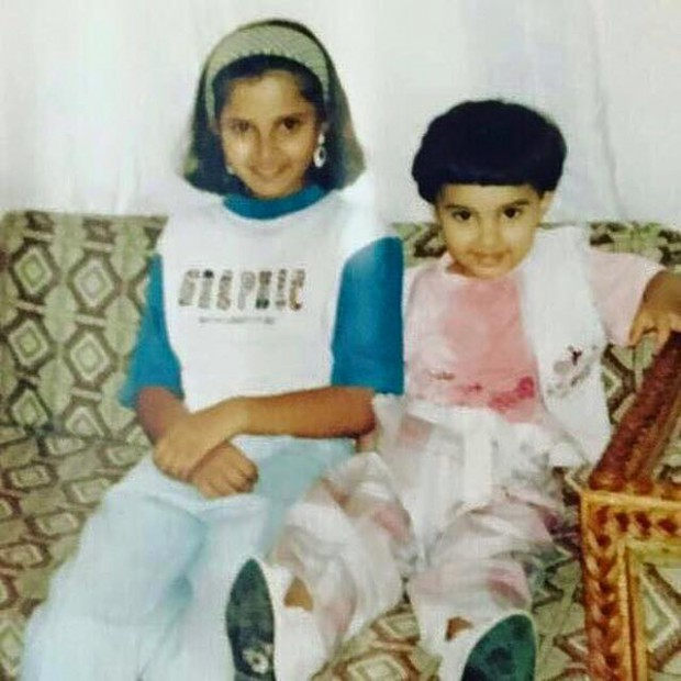 Sania Mirza childhood photo with her sister Anam Mirza
