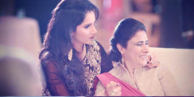 Sania Mirza with her mom at her sister's wedding