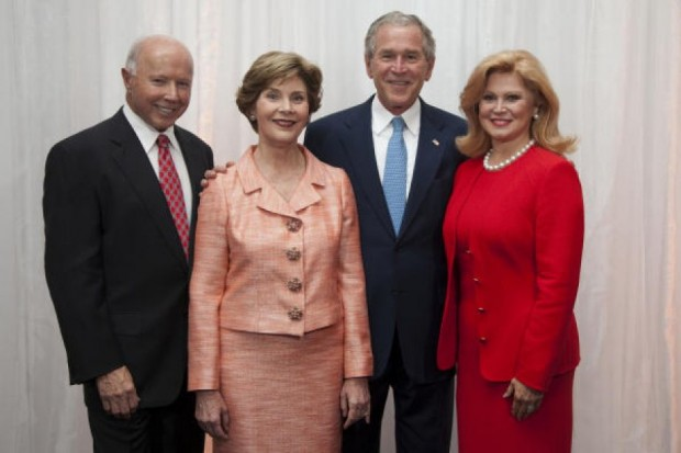 Dan Duncan and Jan Duncan with George W. Bush and Laura Bush
