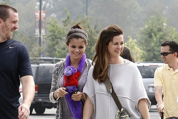Selena Gomez having a good time with family