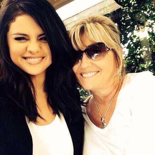 Selena with her grand mother Debbie Jean Gibson