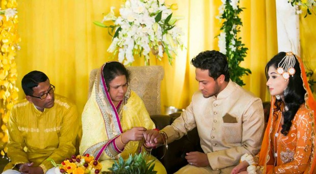 Shakib Al Hasan With his Wife and Parents