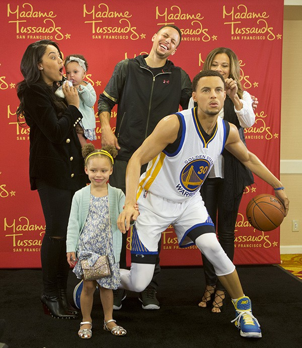 Stephen Curry family with Stephen's Wax Statue in Madame Tussauds San Francisco