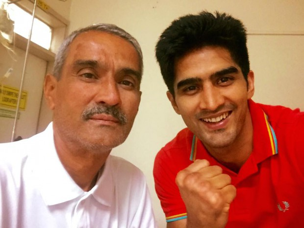 Vijender Singh with his father Mahipal Singh Beniwal
