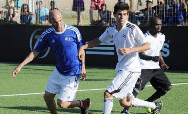 Zenedine Zidane playing with his son Enzo Zidane