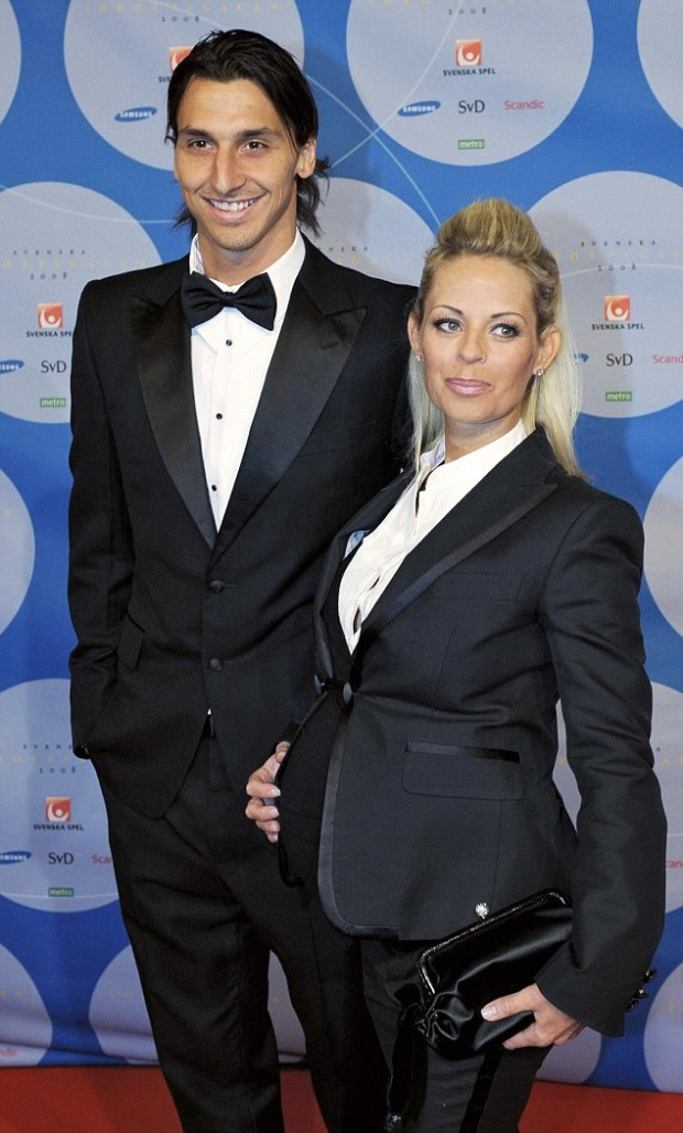 Zlatan Ibrahimovic poses with his girlfriend Helena Seger