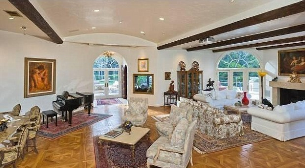 Arnold Schwarzenegger Home Inside View