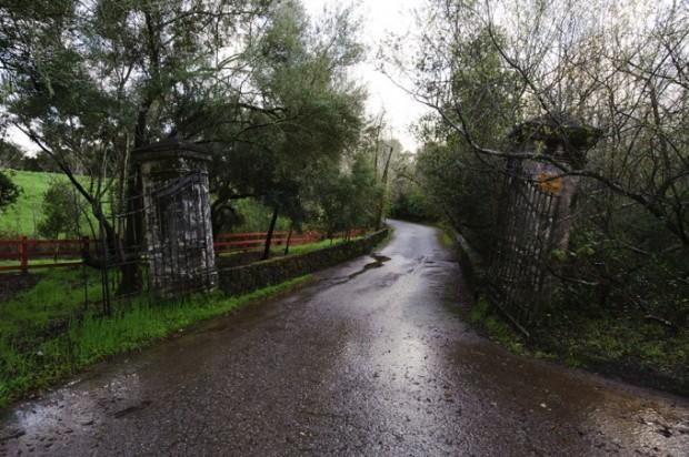 Gateway of Woddside Mansion