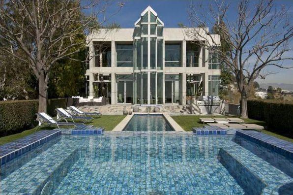 Snoop Dogg Luxurious Home