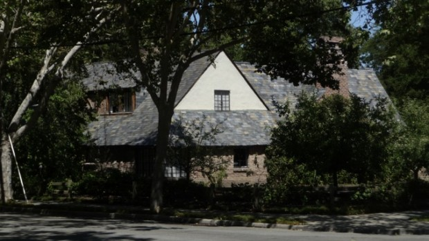 A Close View of Apple Founder's House