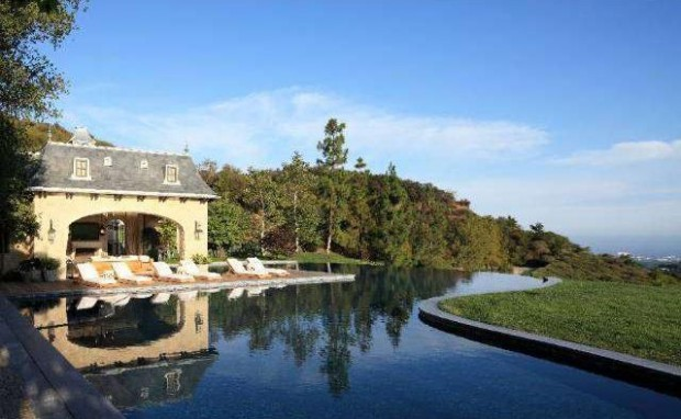 Beautiful pool in Brentwood house