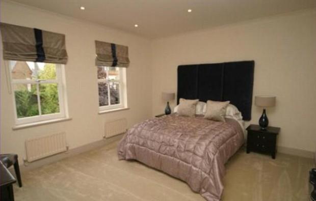 Bed room in Essex mansion