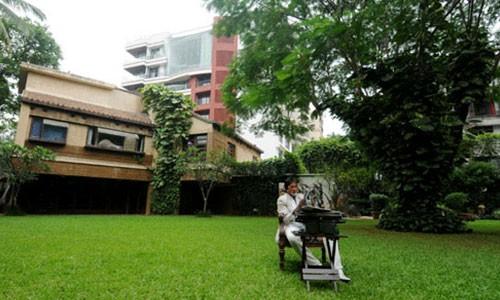 Amitabh Bachchan House