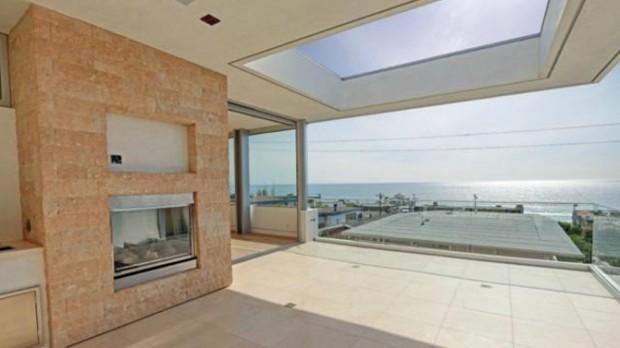 Victoria Azarenka's House at Manhattan Beach