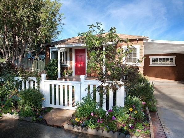 Sara  Bareilles House at California