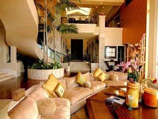 Ronaldinho's  home