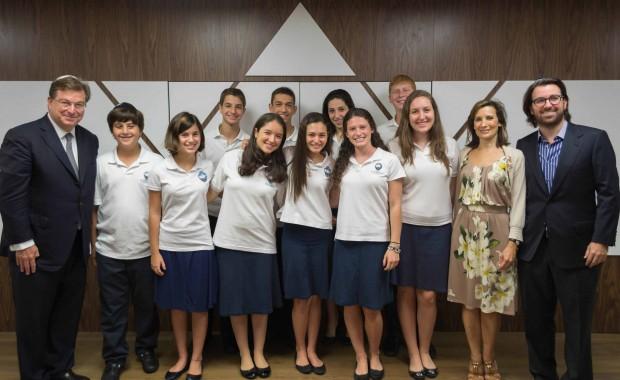 Jaime Gilinski Bacal with Students