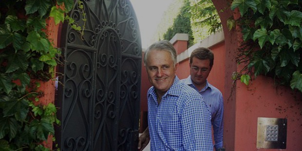 Malcolm pictured with a journalist at his house in Sydney in 2007