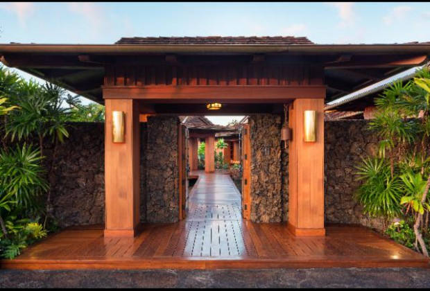 Entry into the Hawaii estate