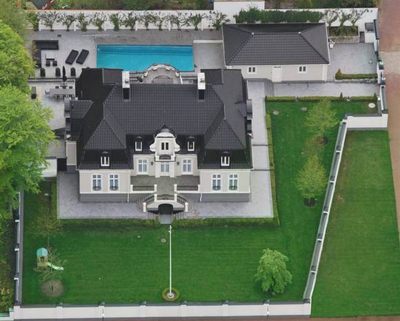 Complete view of Zlatan House