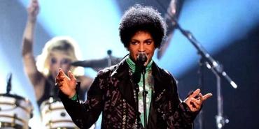 Prince : Singer, Songwriter, Academy Award Winner